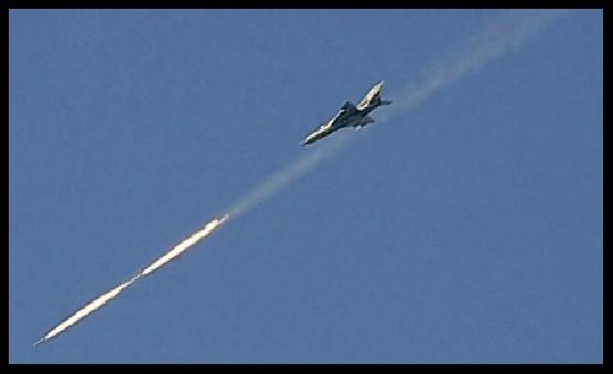 Siria, è ufficiale: la Russia ha colpito le milizie ISIS! VIDEO della Tv siriana