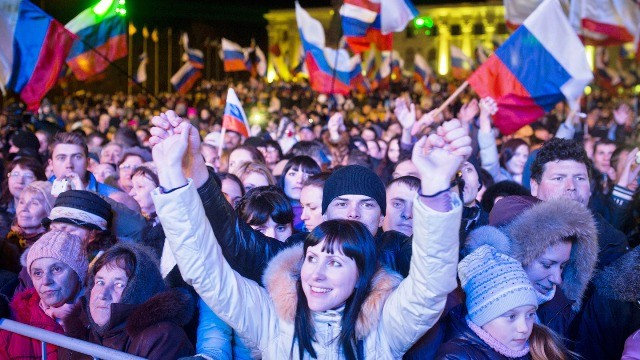 crimea-referendum-celebrate