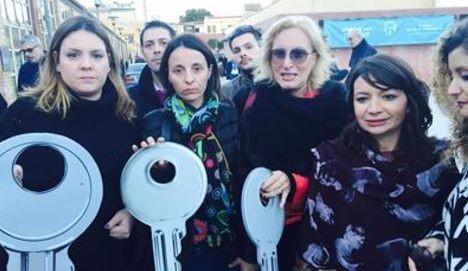 """Migranti, 350 Coop hanno debiti per milioni di euro: """"la regione Sicilia non paga"""""""