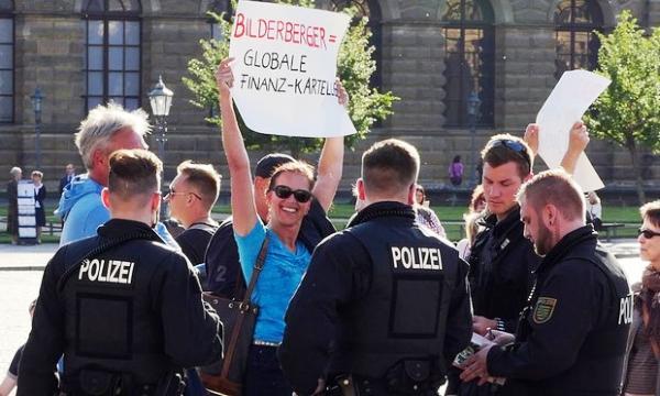 Bilderberg a Dresda: conferenza innocente o un palese conflitto d'interessi?