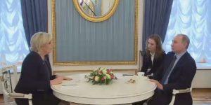 Vladimir Putin riceve Marine Le Pen al Cremlino