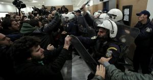 Grecia proteste case pignorate